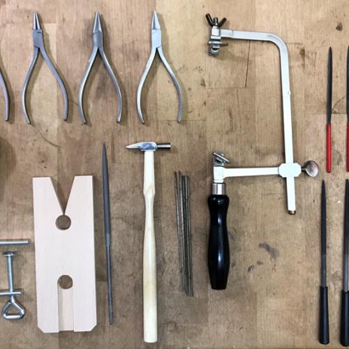 Werkzeug- und Bastelsets